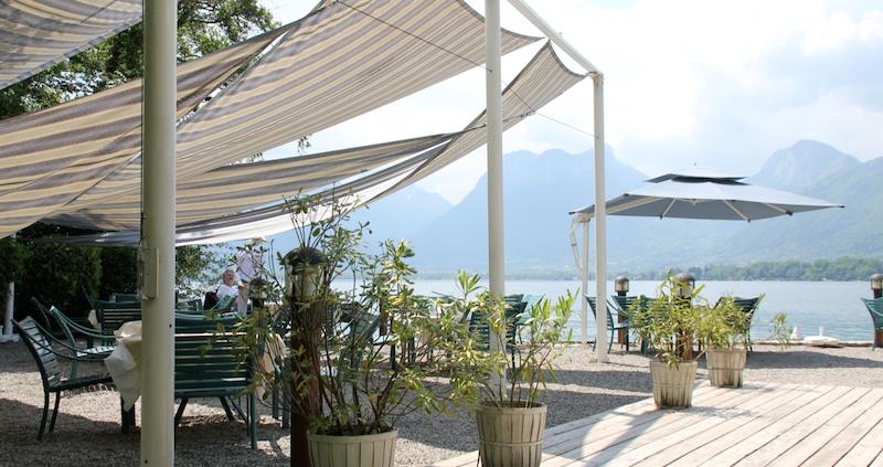 petit paradis annecy restaurant pieds dans leau lac 26