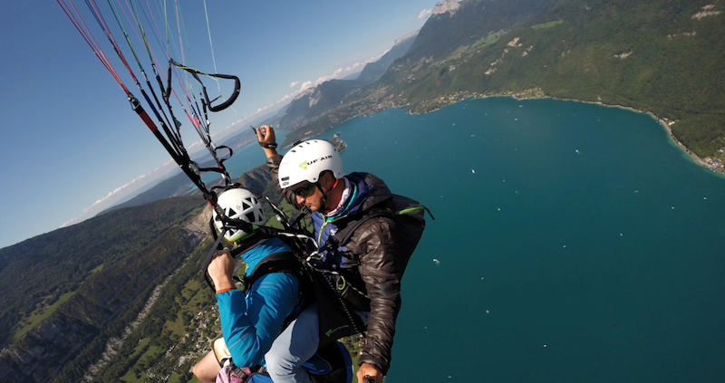 parapente annecy ete hiver play the mountain 25