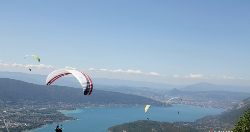 parapente annecy ete hiver play the mountain 8
